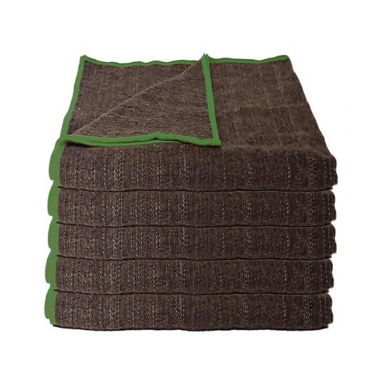 Zestaw pięciu koców do jogi z zieloną lamówką